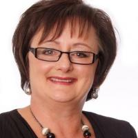 Glenda Buschl - Real Estate Salesperson -Selling Homes in Nelson